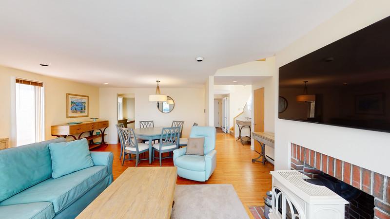 Harbor-Square-Condominiums-Unit-4-06202020_215426