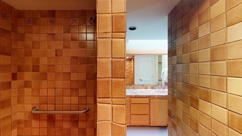 Harbor-Square-Condominiums-Unit-4-06202020_220401