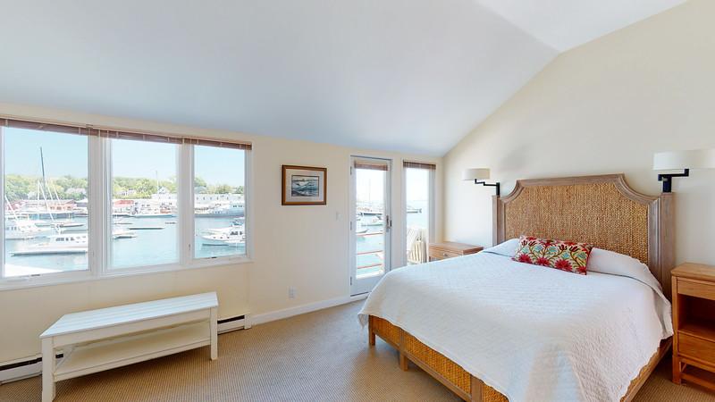 Harbor-Square-Condominiums-Unit-4-06202020_220114