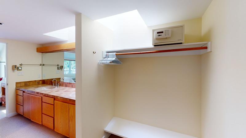 Harbor-Square-Condominiums-Unit-4-06202020_220423