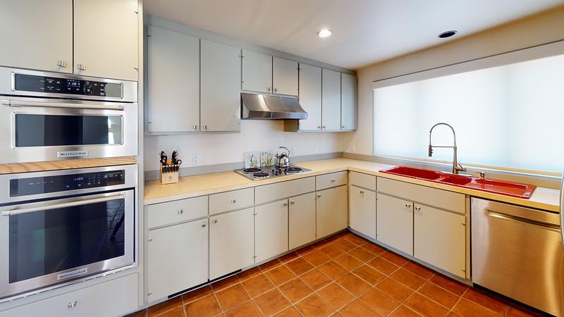 Harbor-Square-Condominiums-Unit-4-Kitchen(1)