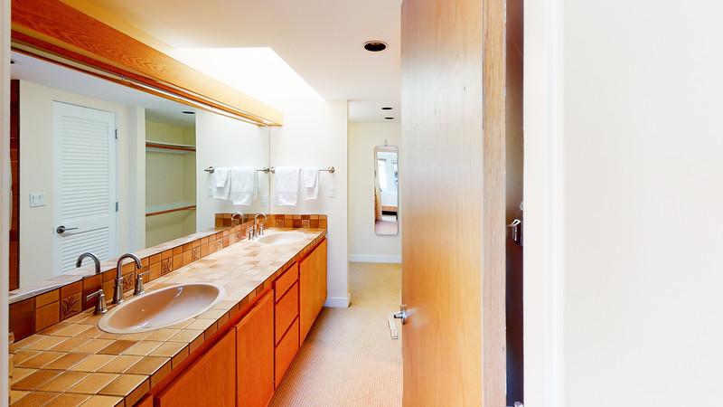 Harbor-Square-Condominiums-Unit-4-06202020_220258