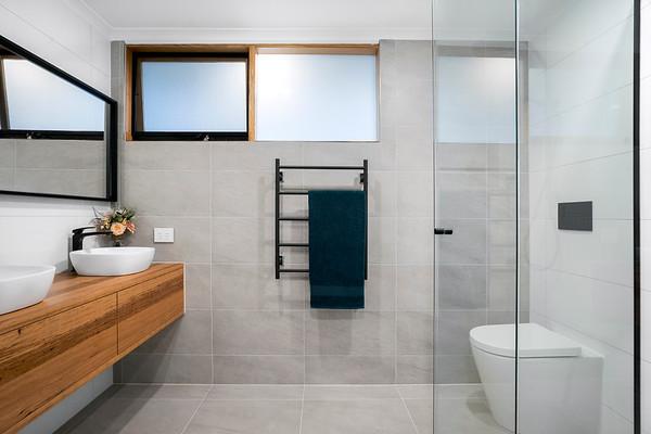 Simple and Stylish Bathroom
