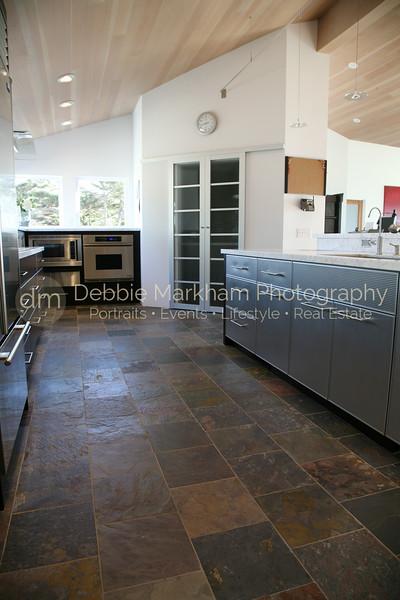 IMG_1411 V Length of Kitchen