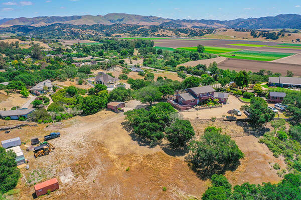 Arroyo Grande - Large Home for Sale
