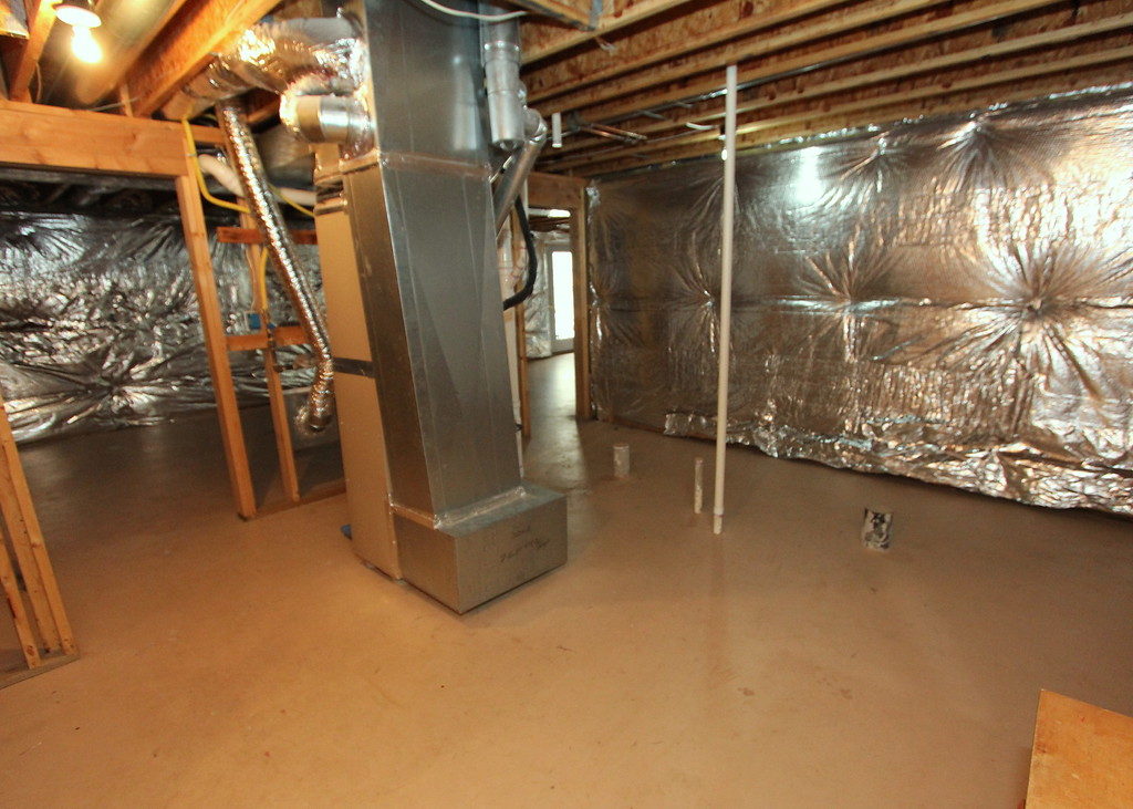 Huge unfinished basement
