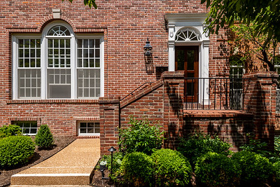 312 North Brentwood Boulevard #8
