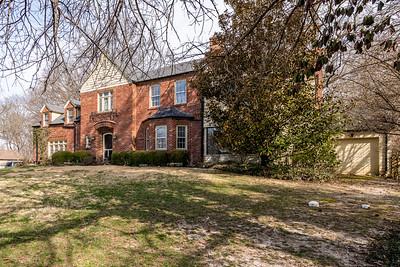 32 Oak Bend Court