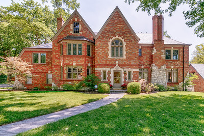 41 Lake Forest Drive