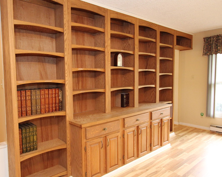 Gorgeous built-in bookcase