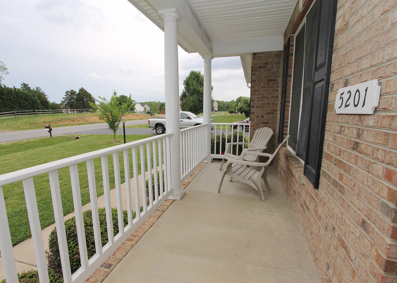 Sweet front porch!