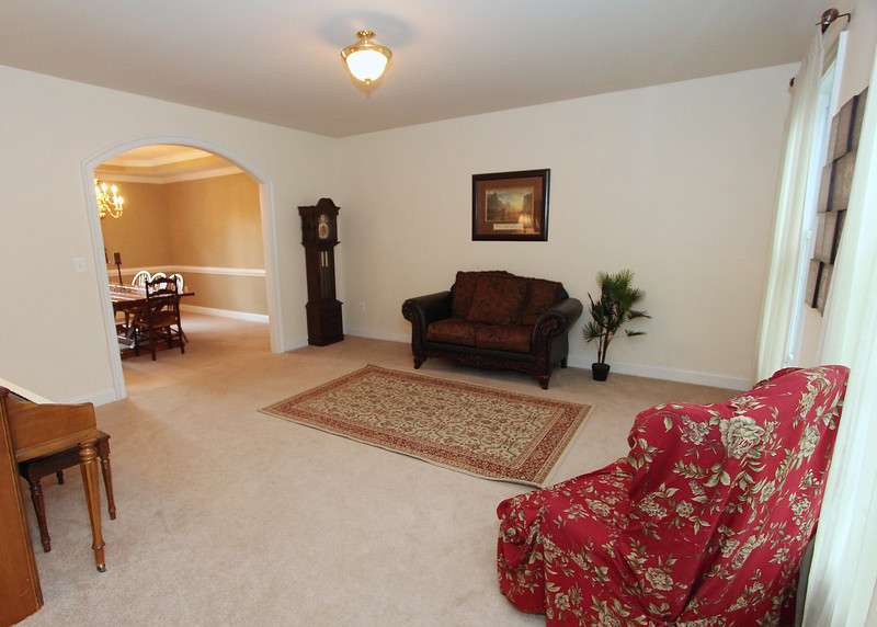 Living room - note the arched doorways!