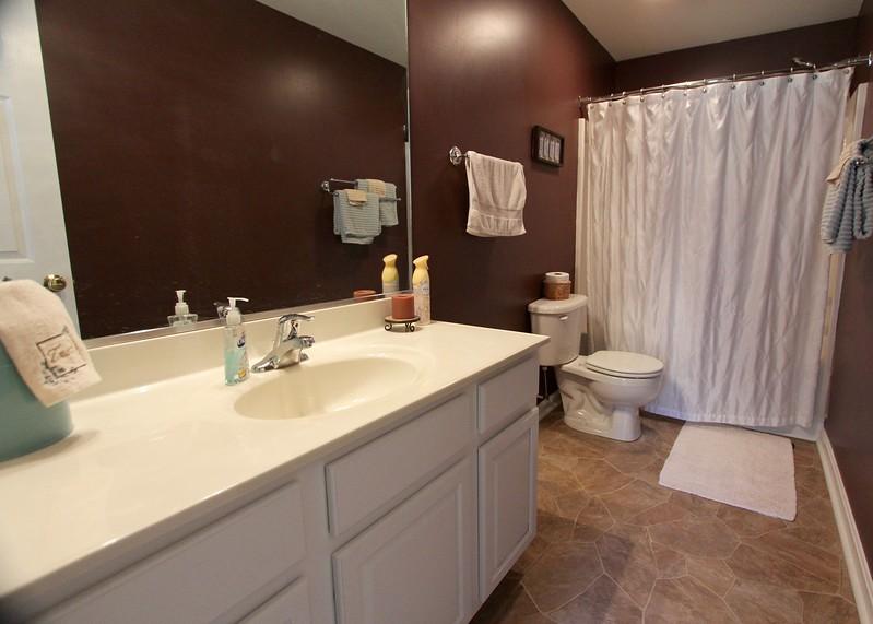 Full bath on upper level!
