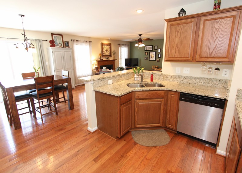 Gorgeous granite counters!
