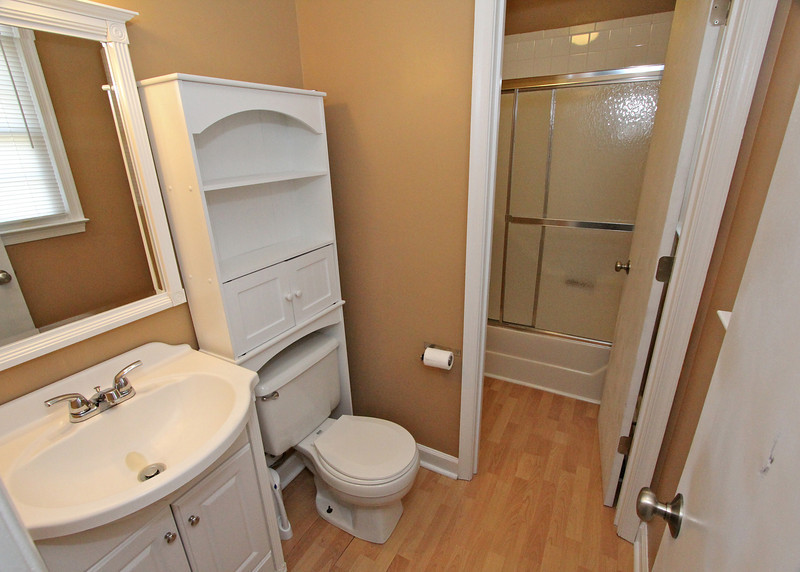 MBA with access to the shower/tub
