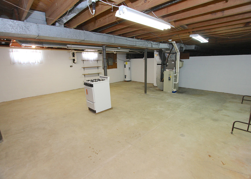 Super clean unfinished basement