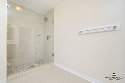 Walk-in Shower, Ontario