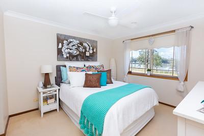 5 Lakeside Drive - 7 Main Bed (1)