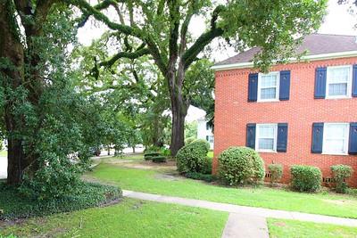 Summerville Court Condominiums