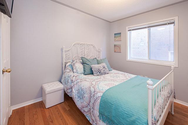 29-21SantFarmDrive_Bedroom1