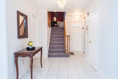 17-4362WaterfordCrescent_Foyer