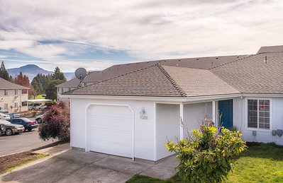 1088 Sunrise Way in Central Point, OR