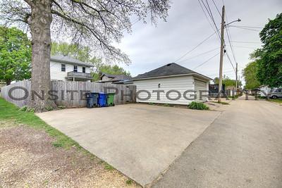 Parking Pad & Garage
