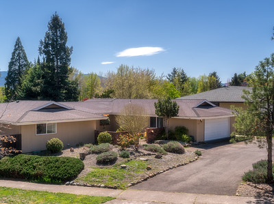 480 Picadilly in Medford, Oregon