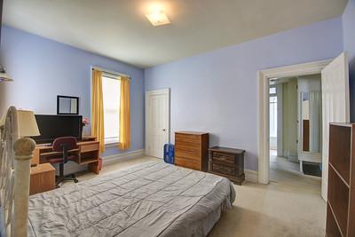 Upper Bedroom2