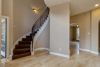Entry / Staircase