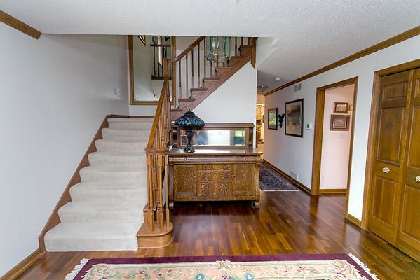 Foyer/Second Floor Access