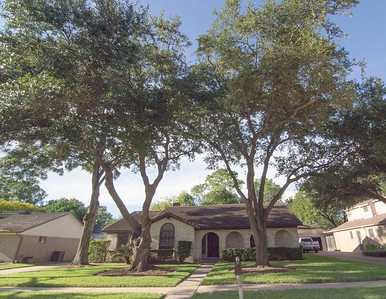 MiM properties: 16415 Larkfield Drive, Houston, TX
