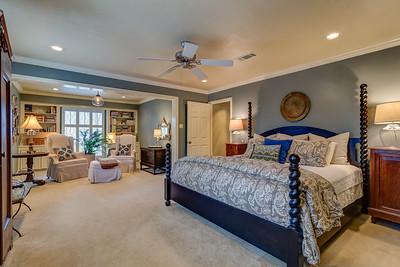 Master Bedroom w/ Sitting Room