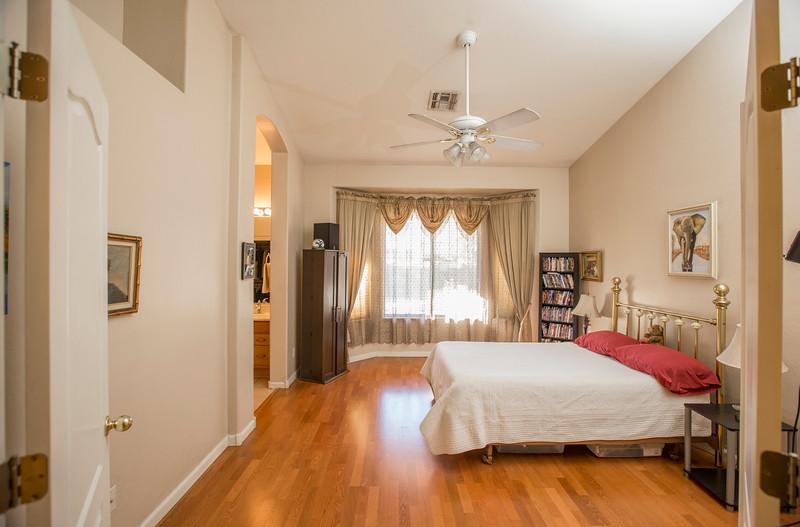 bedroom enterance 2
