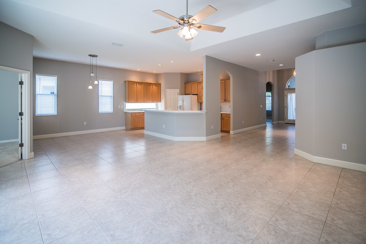 6720 70th Ave E Bradenton-living area