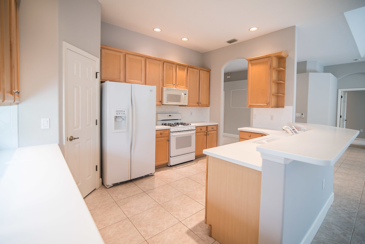 6720 70th Ave E Bradenton-kitchen from dir