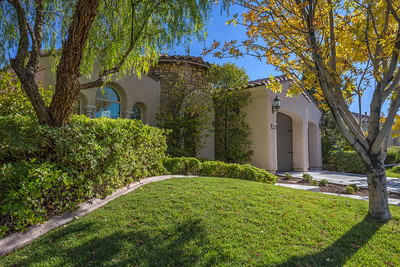 Beautiful 2-3 bed home with a 2-car garage! Gated Atrium Entry!