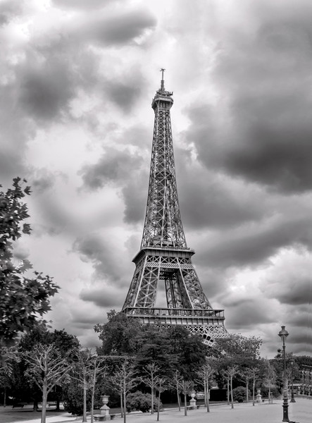 Eiffel Tower i the Clouds