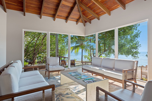 Ray Caye Island Resort in Belize