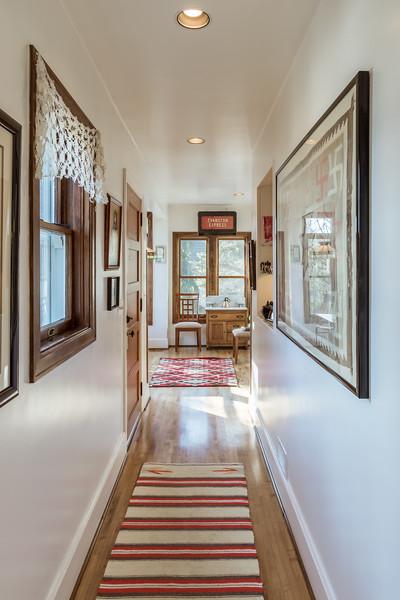 Rear Hall/Rear Entry