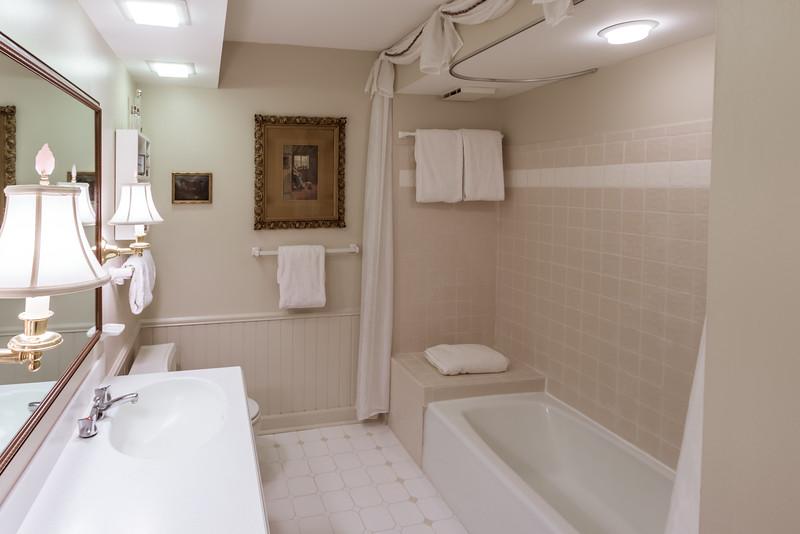 Second Floor Center Full Bath