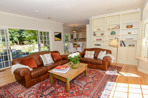 4 Whiteplains Kitchen & Family Room