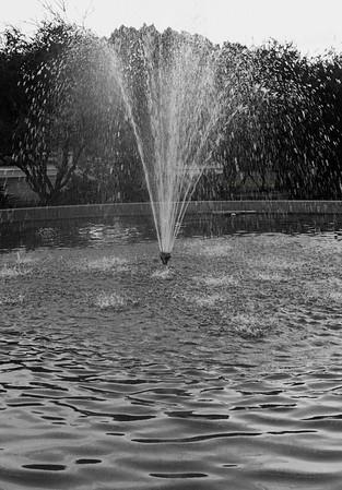 ASu fountain B&W 3497