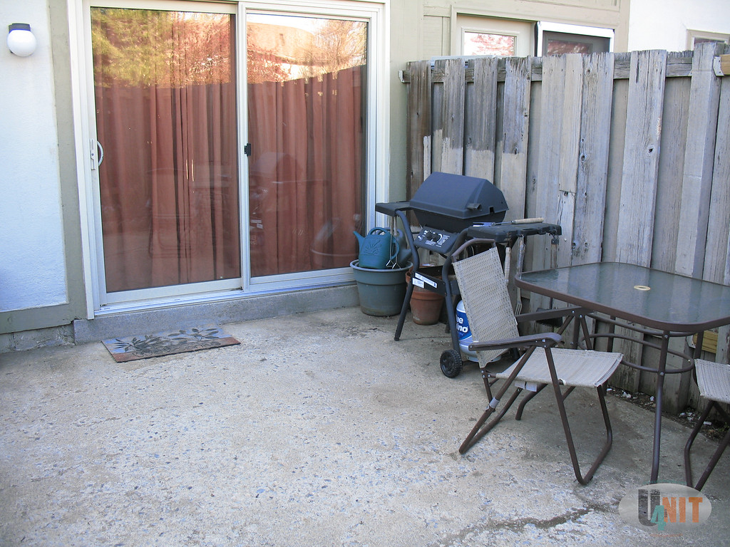 Seating and room to entertain in courtyard.