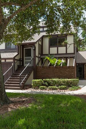 824 Greenwood Manor