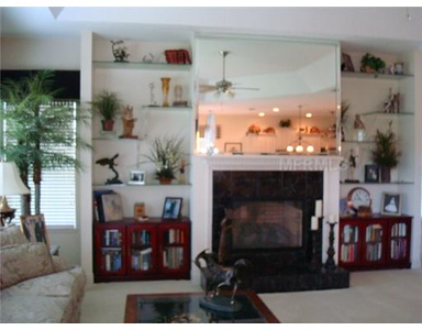 Agent's photography showing the Family room.   See more side by side comparisons at:   http://www.lifestyle-reflections.com/RealEstate/Photo-comparison-Amateur-vs/22760951_STfdb3#!i=1825704995&k=HmBfKbn