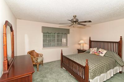 13-Guestroom_view1