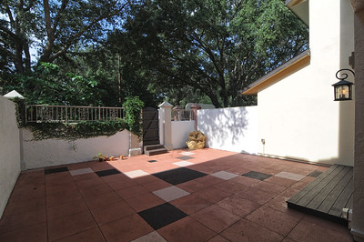 5-Large patio Area_view2