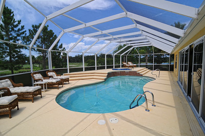 17_Enclosed pool area