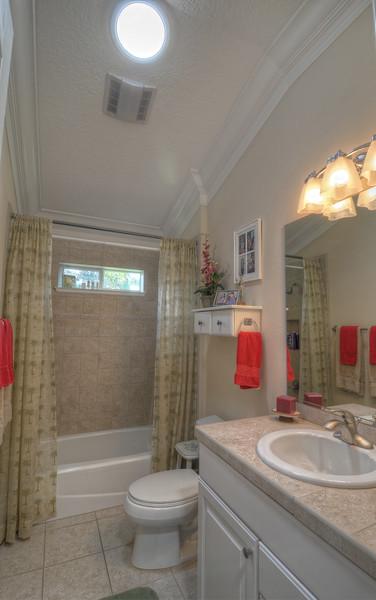 23_Guest bath
